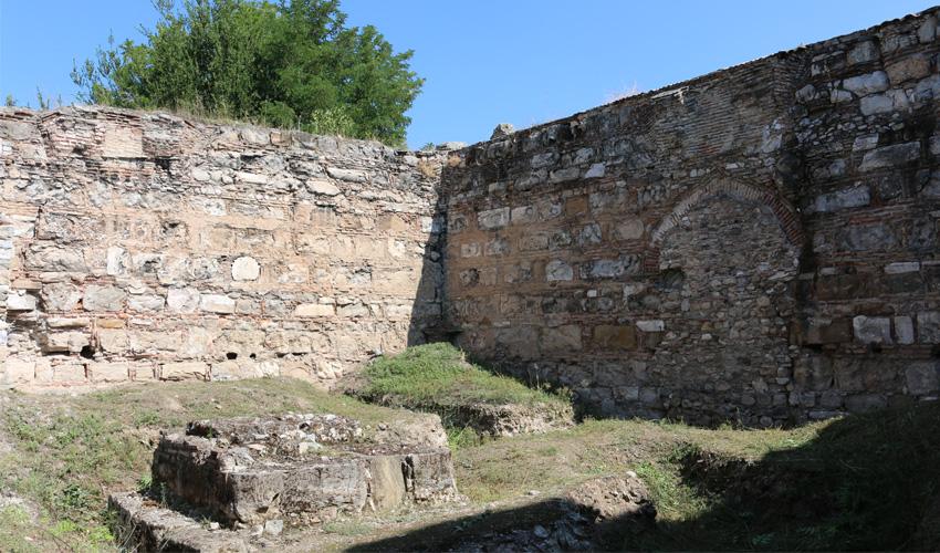 Interior of Bezesteni